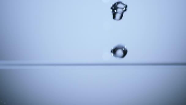 Szuper lassú hullám víz és buborékok, 1000fps. 422-Hq ProRes codec.