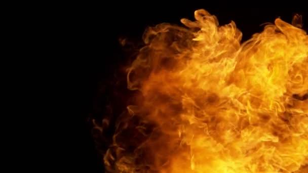 Super zpomalené fire Blast izolované na černém pozadí. Natočeno na vysokorychlostní cinema camera, 1000 fps