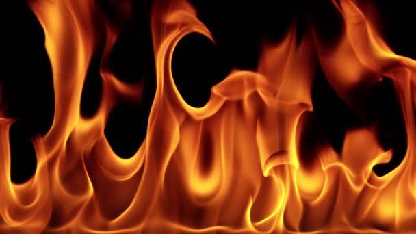 Super pomalý pohyb ohnivé linie izolované na černém pozadí. Natáčeny z vysokorychlostní filmové kamery, 1000 fps