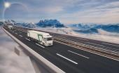 Fotografie Úsek dálnice s nákladní vůz