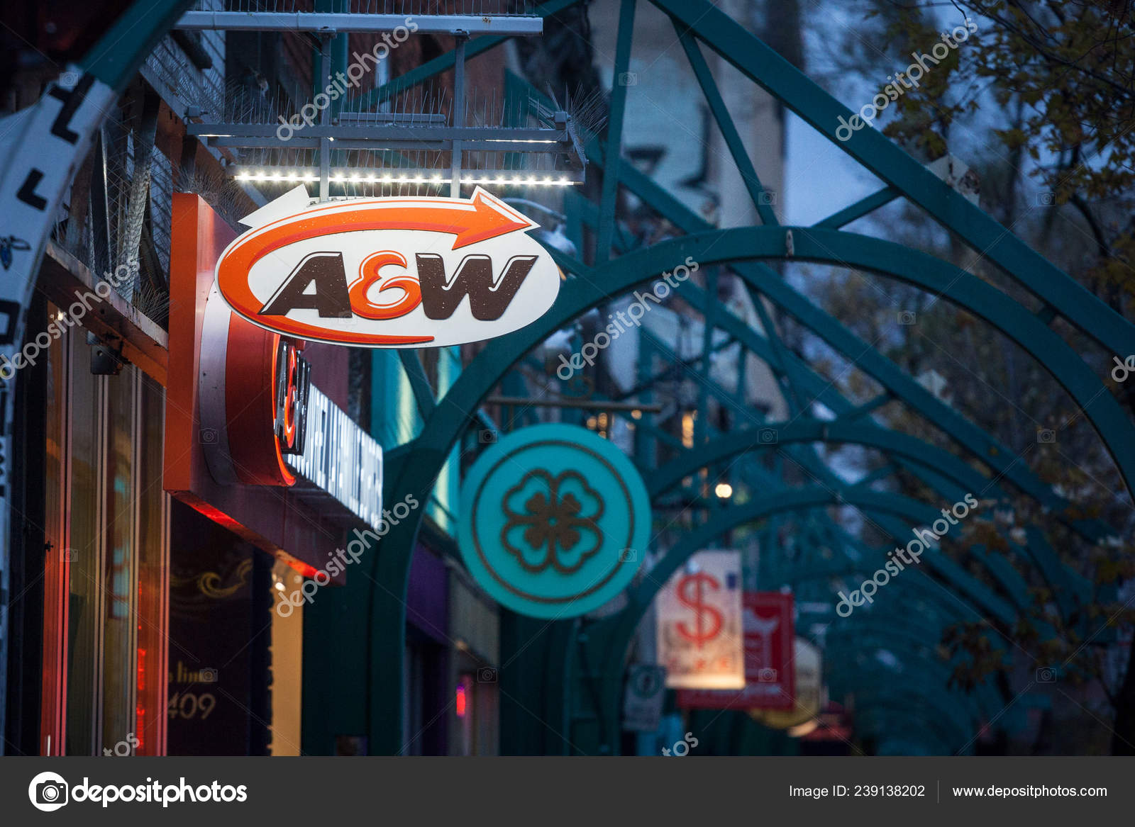 Montreal Canada November 2018 Logo Main Fast Food Restaurant