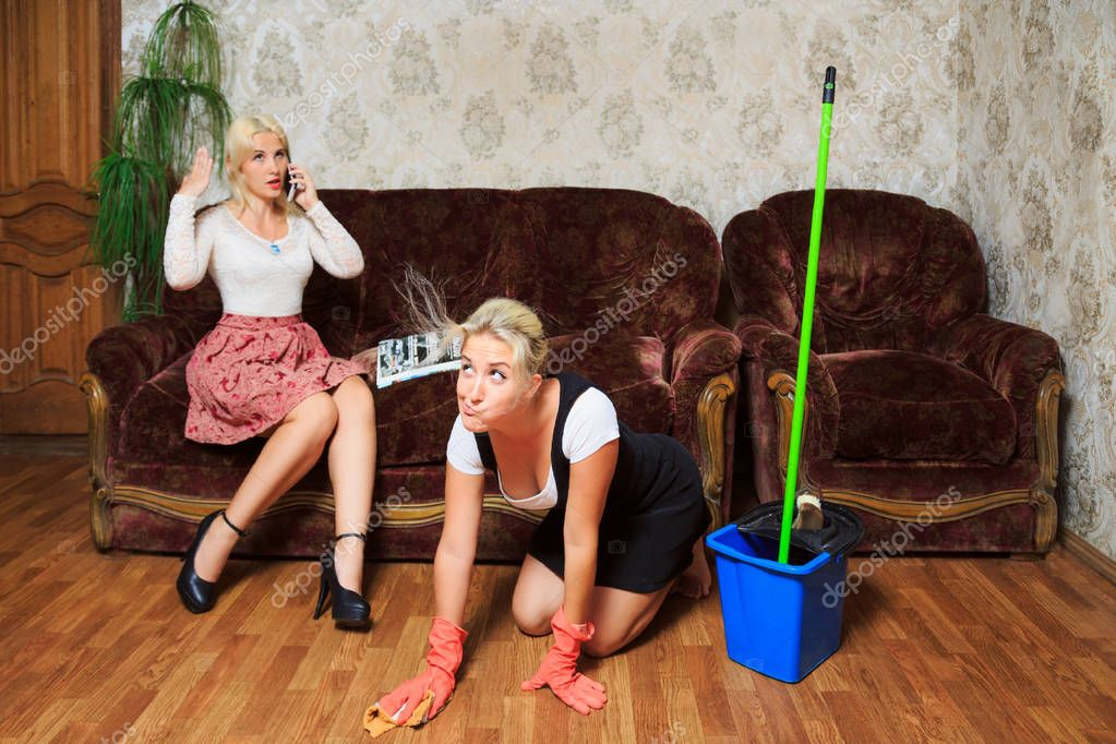 https://st4.depositphotos.com/11126698/21094/i/950/depositphotos_210945072-stock-photo-mistress-talking-on-the-phone.jpg