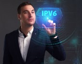 Fotografie Business, Technologie, Internet und Netzwerk-Konzept. Junger Geschäftsmann auf einer virtuellen Leinwand der Zukunft arbeiten und sieht die Inschrift: Ipv6