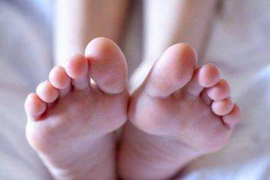 Men's toes, healthy toe nails