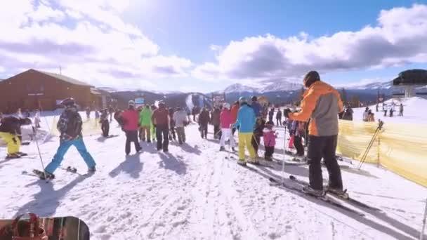 Colorado, Usa Prosinec 2, 2017. POV úhlu pohledu. Lyžování Colorado Rockies v začátku lyžařské sezóny