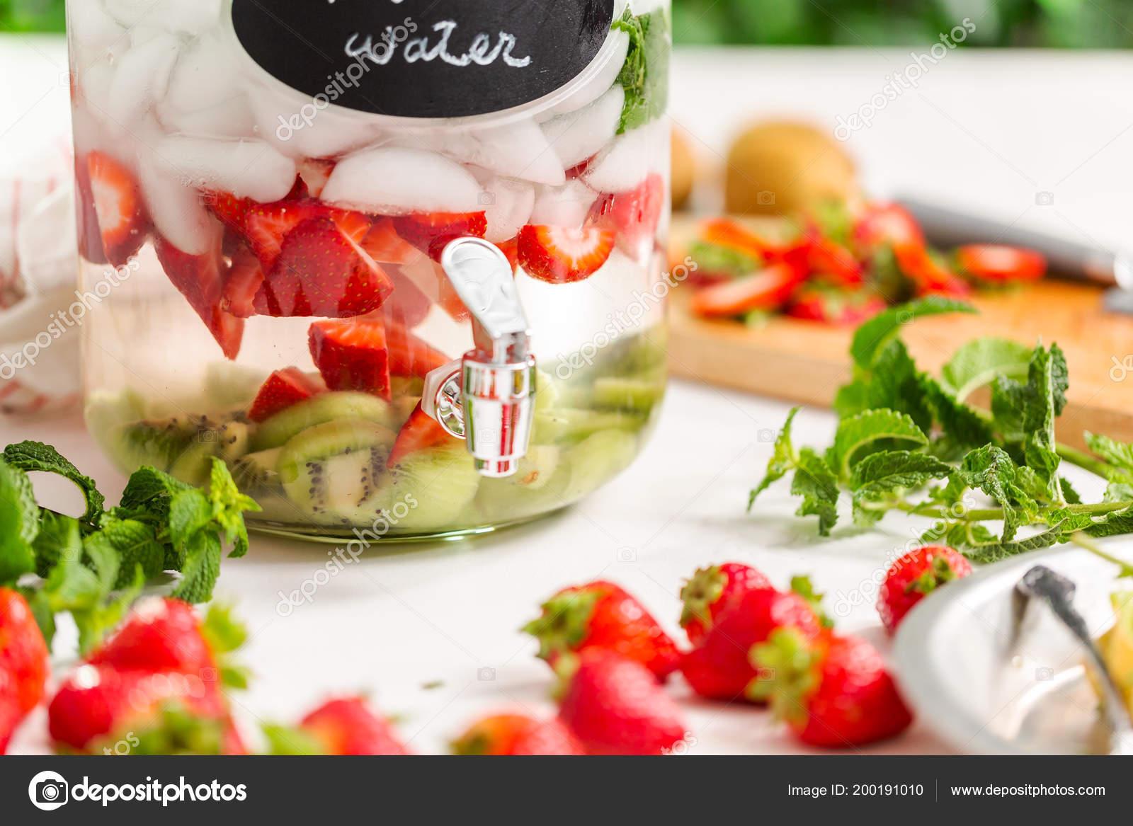 Infused Water Organic Strawberries Kiwi Fresh Mint Glass