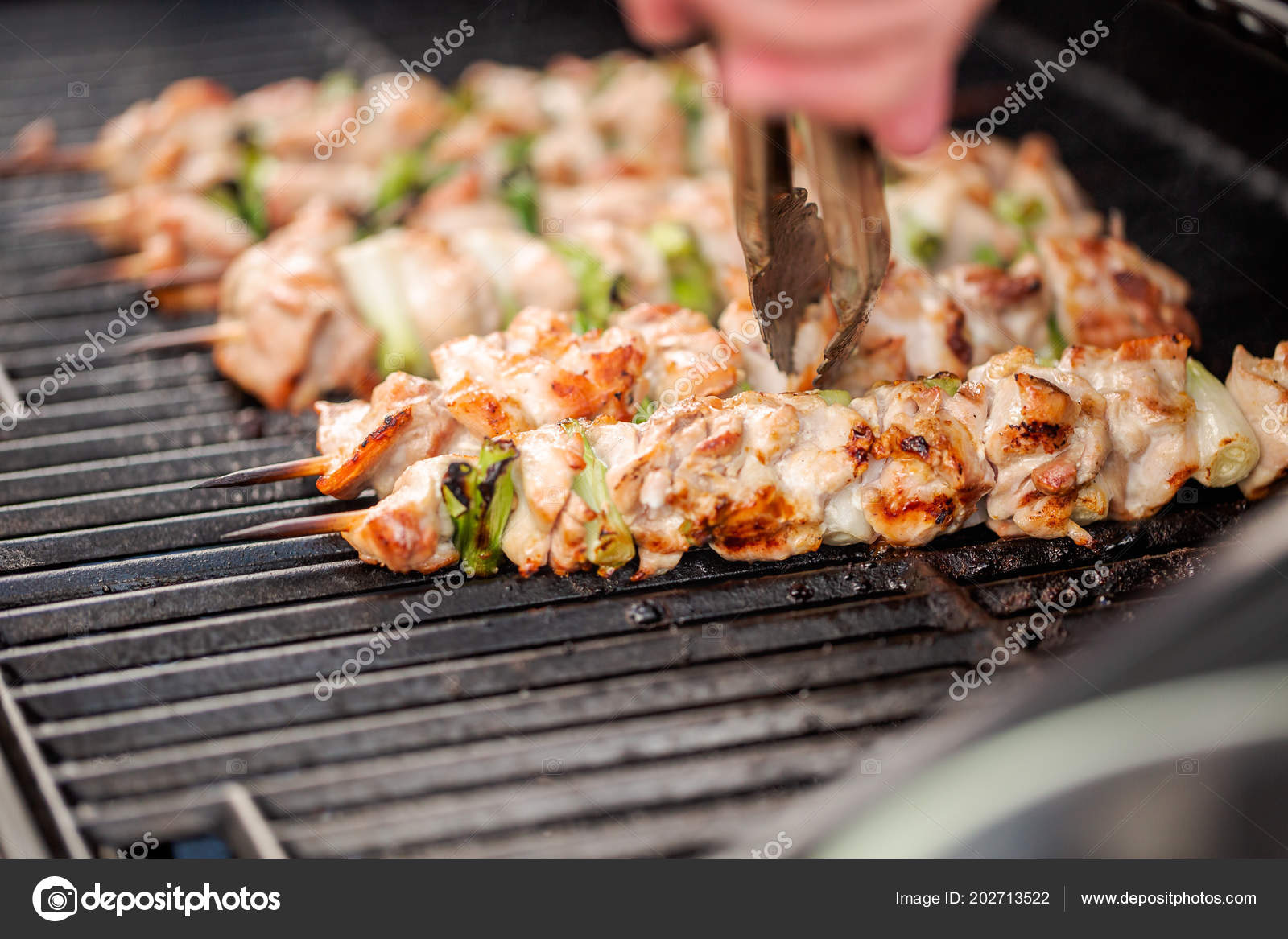 Chicken Gasgrill : Step step grilling chicken yakitori bamboo skewers outdoor gas
