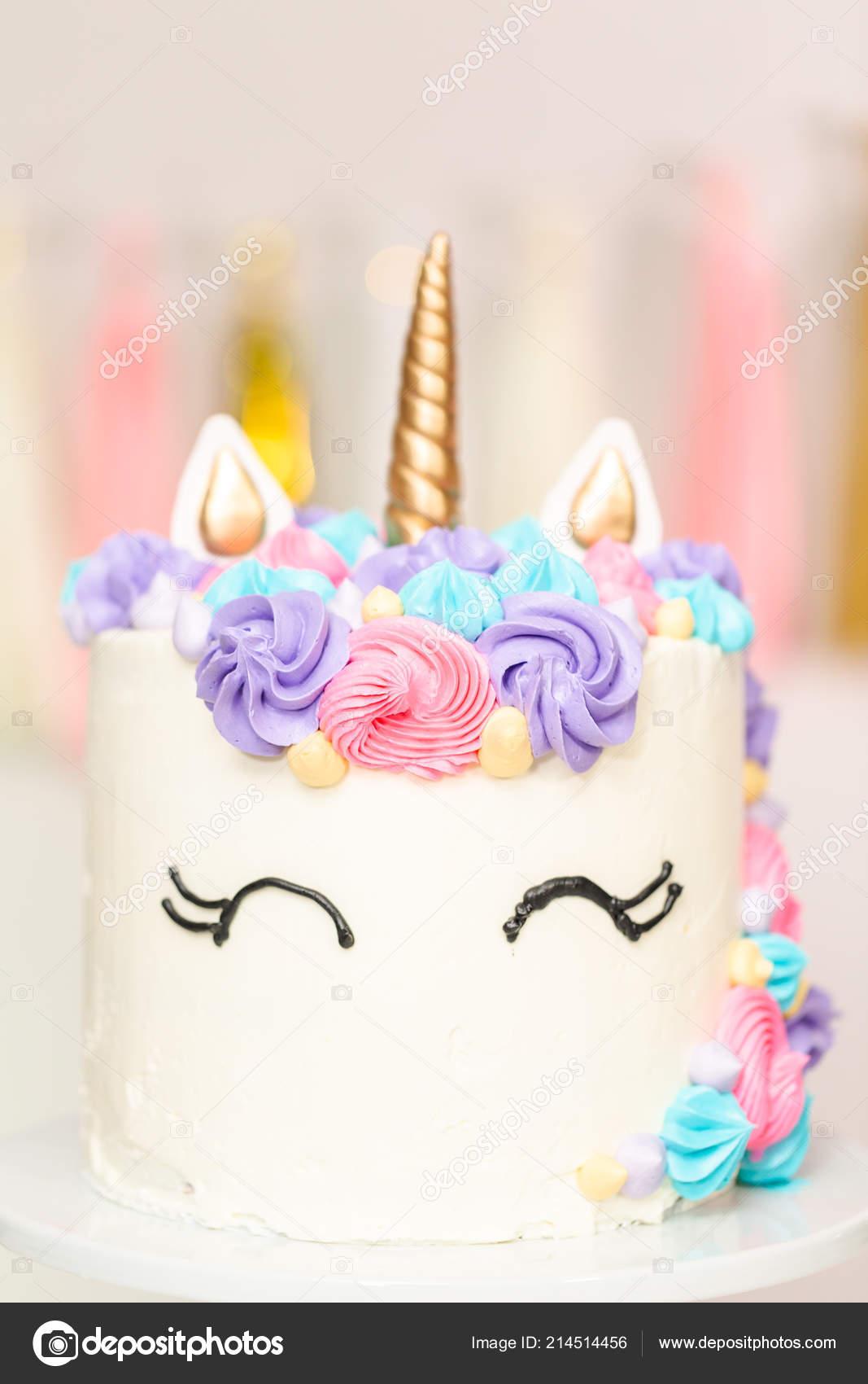 Pastel Unicornio Decorado Con Glaseado Crema Mantequilla