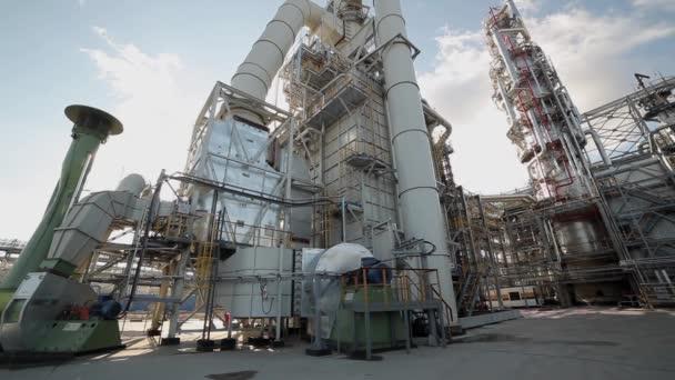 Panorama od levého do pravého v průmyslové zóně rafinérie