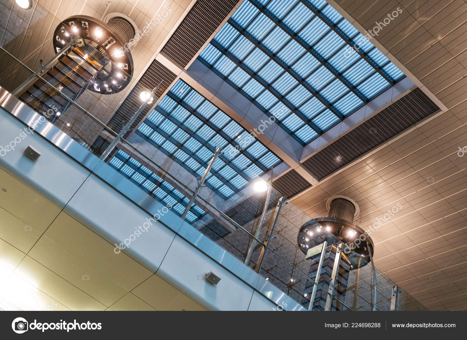 Estructura Interna Del Vidrio Moderno Edificio Foto De