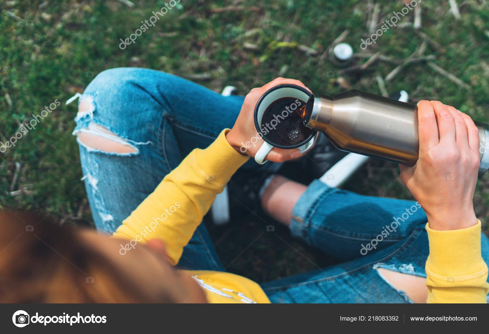 Top View Girl Holding Hands Cup Hot Tea Green Grass — Stock