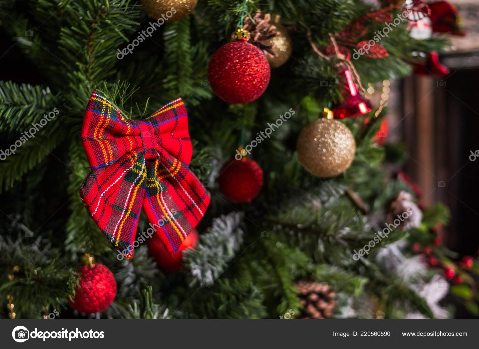 Xmas Deko Weihnachtsbaum.Weihnachten Und Neujahr Dekoration Kugeln An Den Weihnachtsbaum