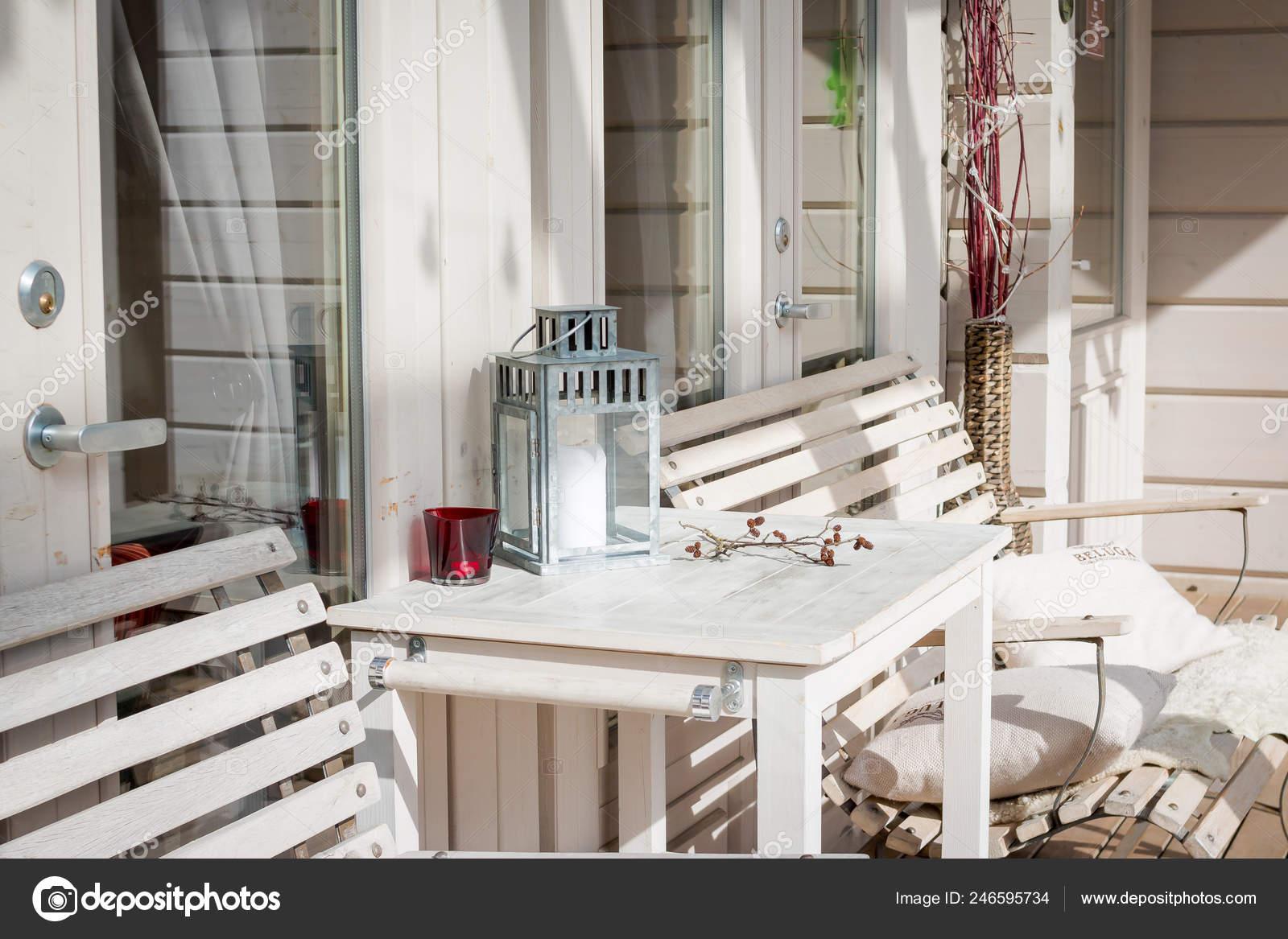 Style De Veranda Moderne terrace lounge with comfortable divans in a luxury house