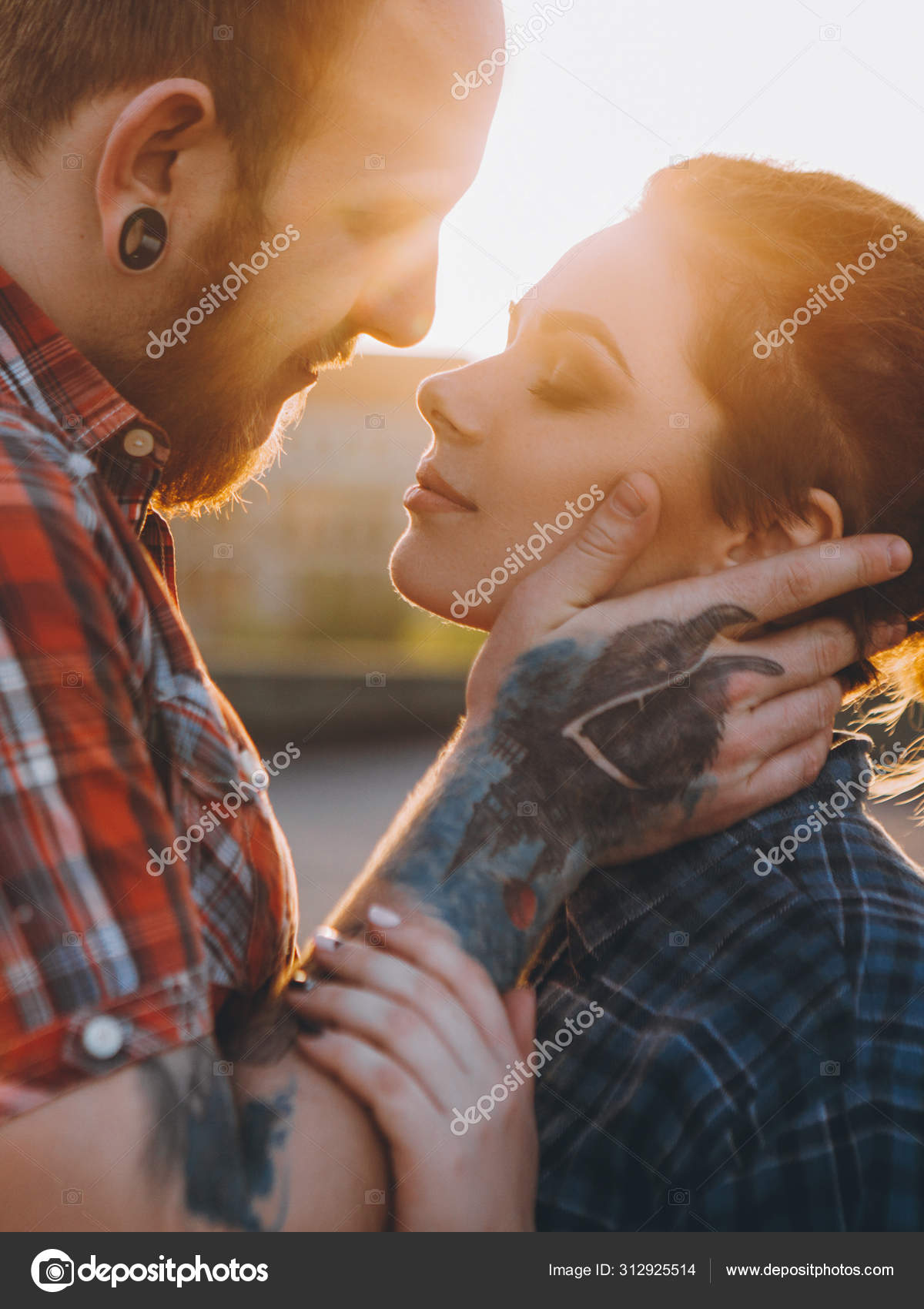 Dating Polyamorous kvinna