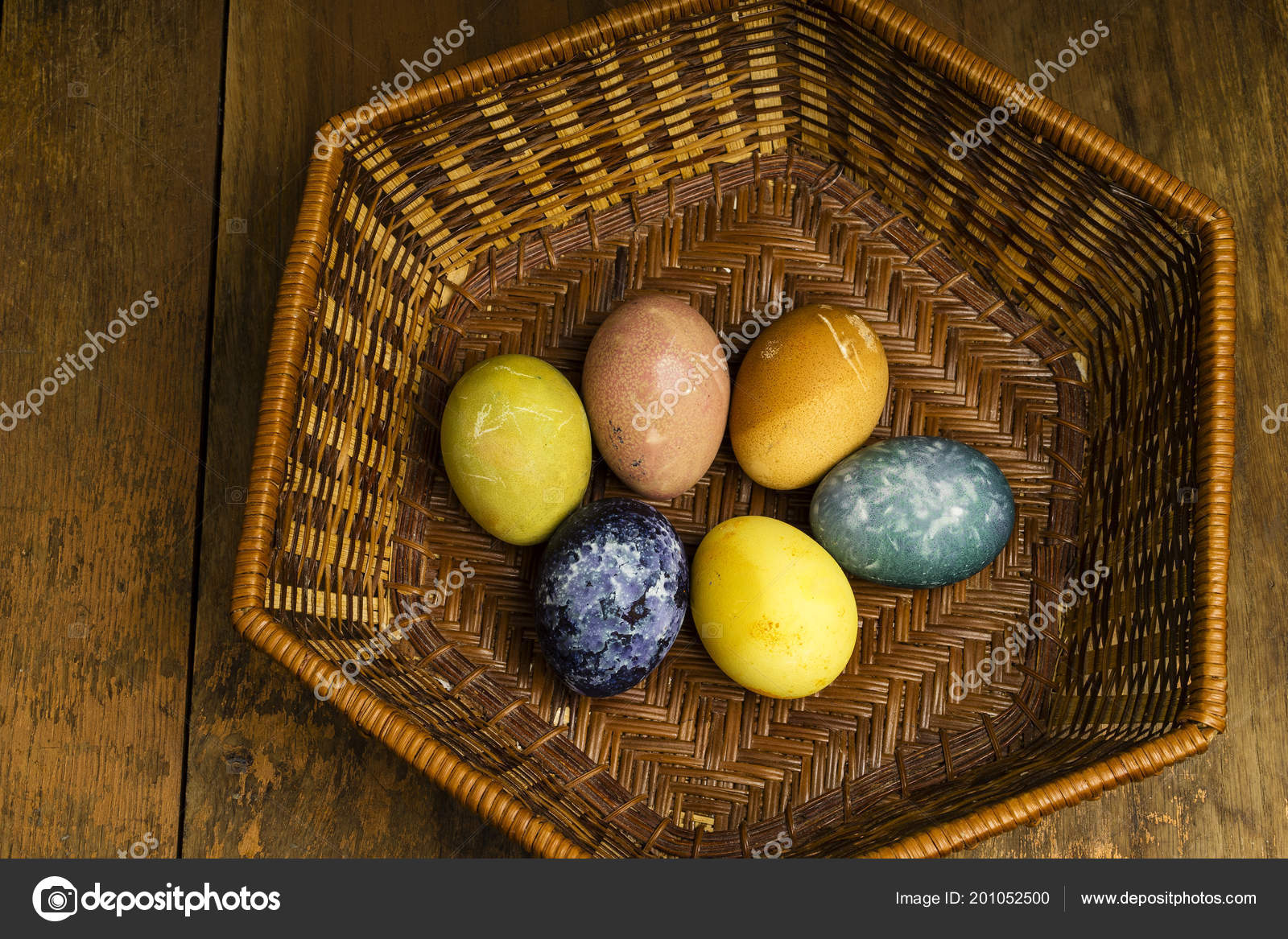 Beautiful Natural Colored Easter Eggs Basket Raw Organic Food Color ...