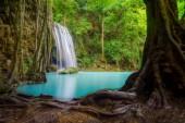 Erawan vodopád. Přírodní krajina v okrese Kanchanaburi v n