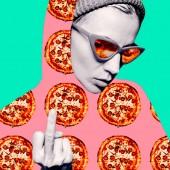 Zeitgenössische bildende Kunst Collage. Minimal-Konzept. Pizza-Liebhaber. Pizza porno. Pizza-Girl. Aber erste Pizza