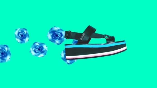 Módní sandály na plošině a květiny v abstrakci. Minimální galerie umění