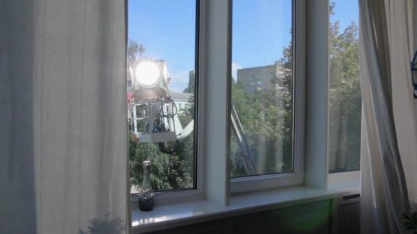 Film světlo sada oknem