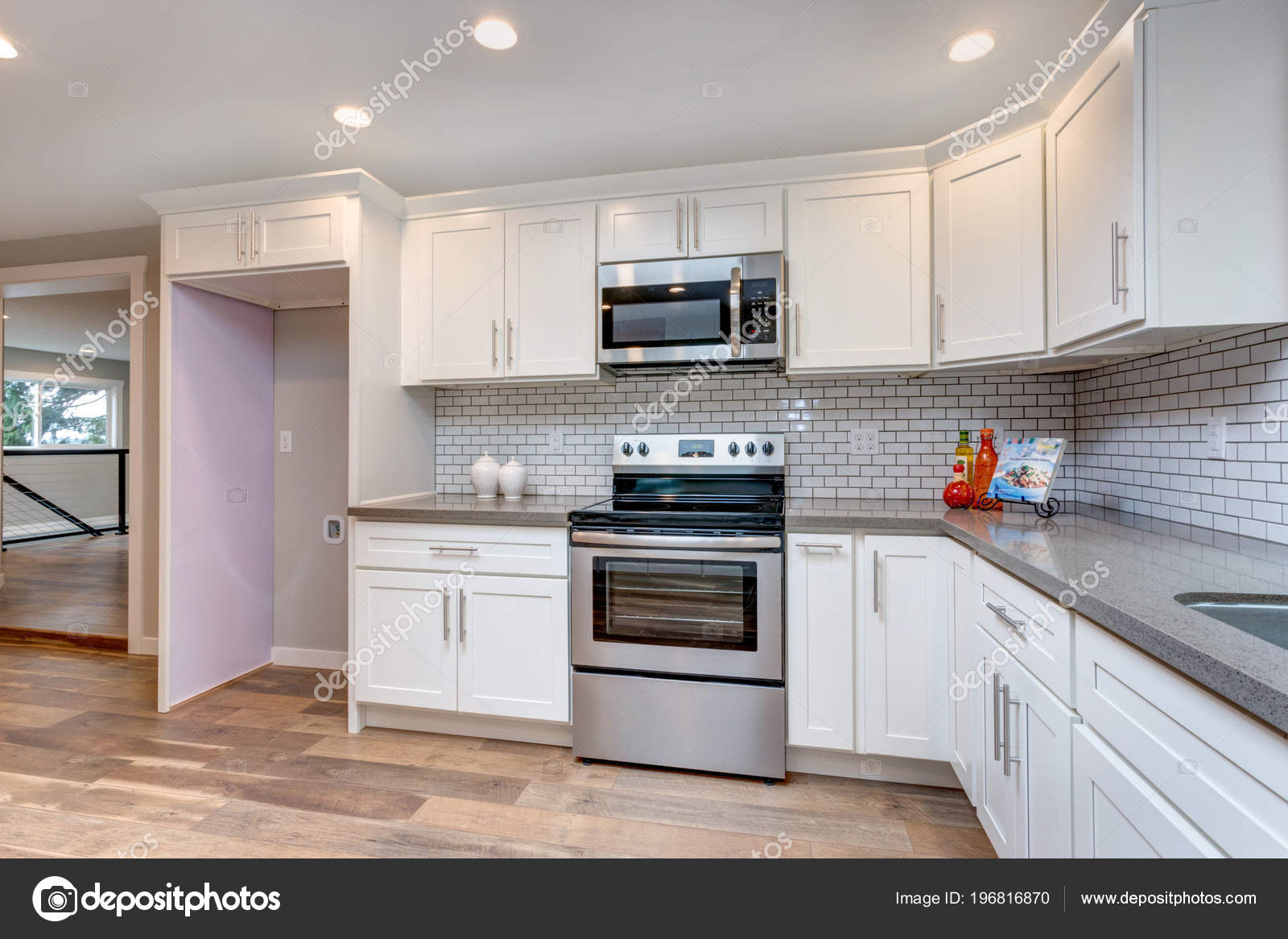 Open Concept Kitchen White Cabinets Grey Quartz Countertops Tile Backsplash  U2014 Stock Photo