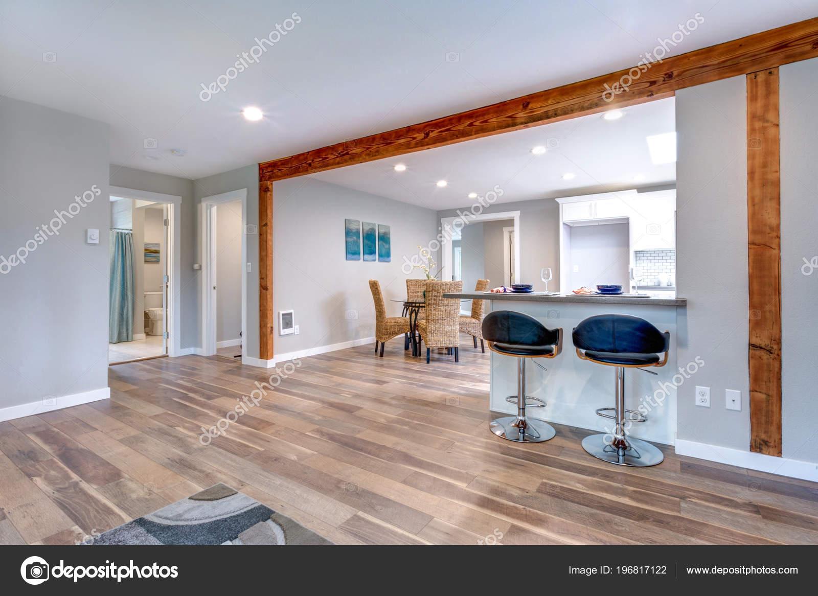 Interior Casa Concepto Abierto Con Piso Madera Monton Espacio Foto