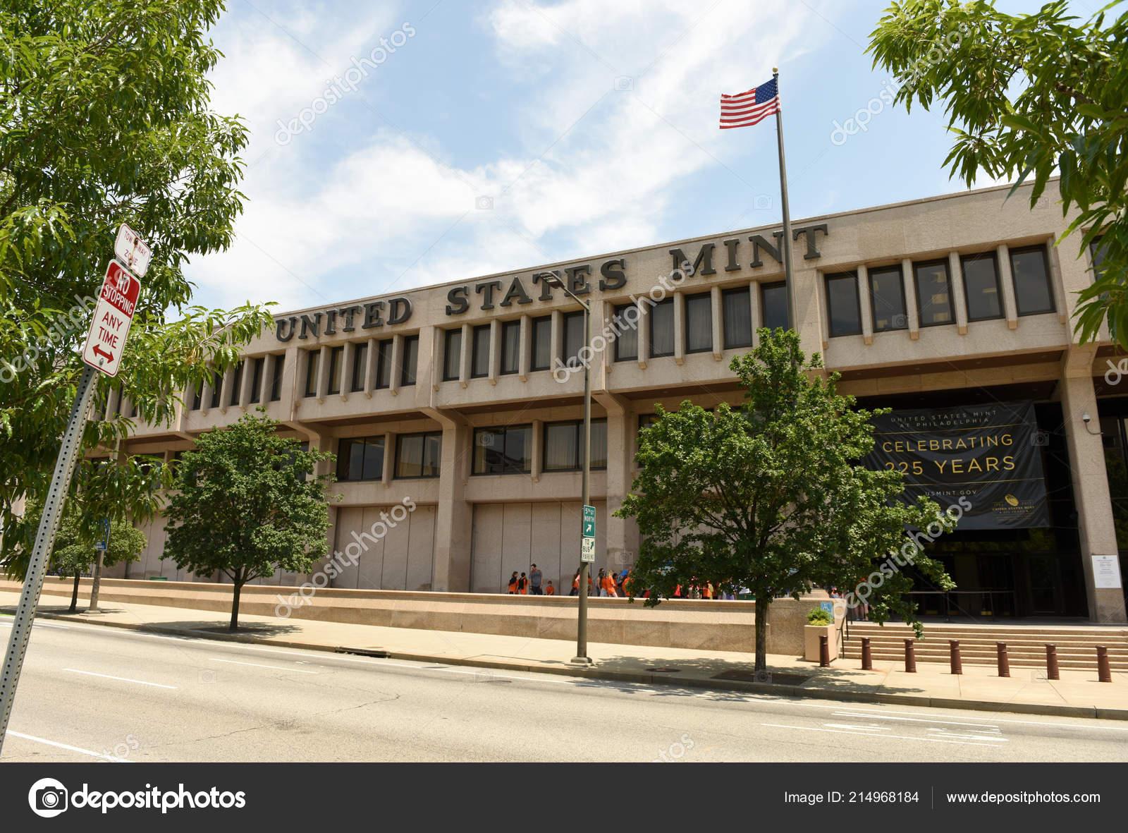 Philadelphia Usa May 2018 People United States Mint
