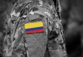 Flagge Kolumbiens auf dem Arm der Soldaten (Collage).