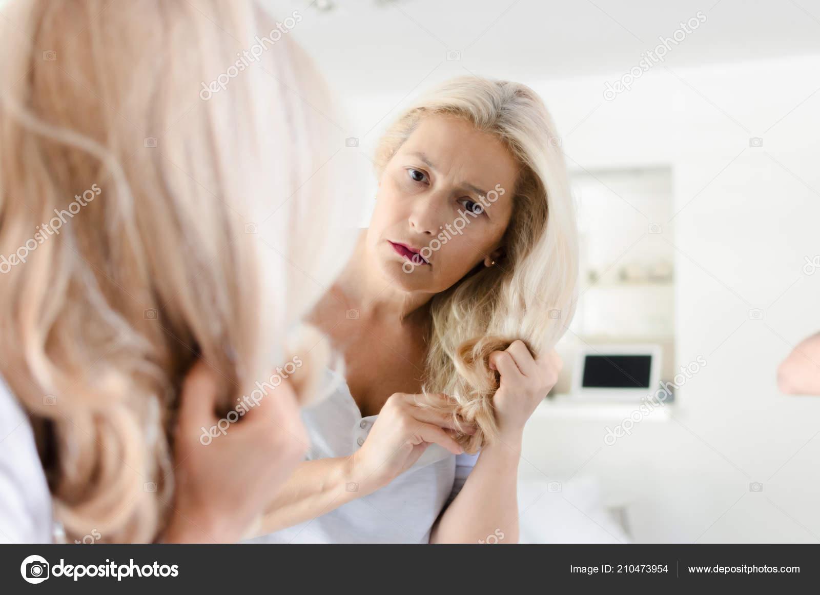 Фото голых девочек перед зеркалом, Девушки у зеркала KyKyRyzO 25 фотография