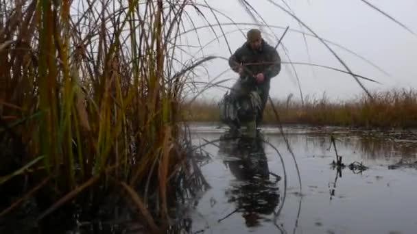 Vadász-fegyver megy a blackwater a fajankók