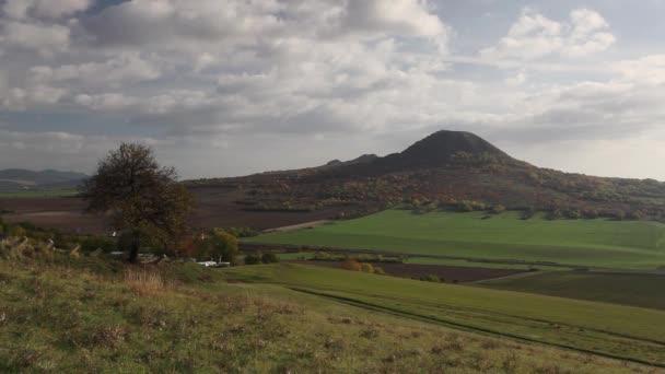Slavné hill Oblik podzim středohoří, Česká republika