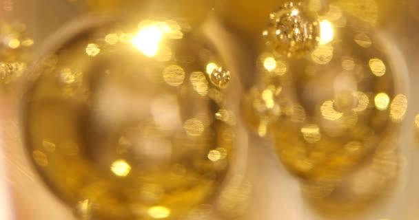 vzduchové bubliny ve skle