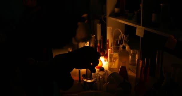 Mérgek és más vegyi anyagok laboratóriumi