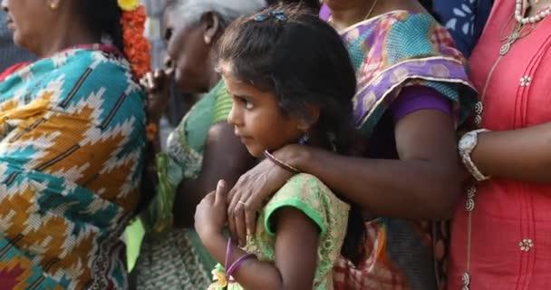 Arme indische Mutter mit Kind 25. März 2020 Hyderabad Indien