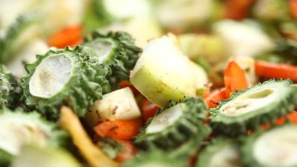 Mravenci na zeleninu Hořká tykev