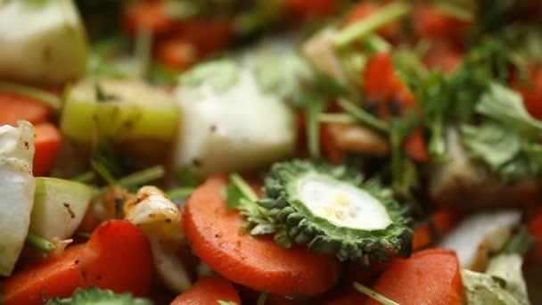 Hangyák a zöldségfélékről Keserű tök
