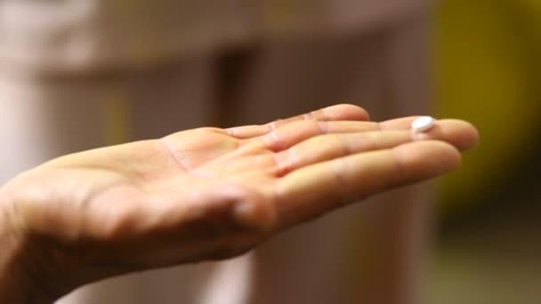 Szabadalmaztatott kéz kapszulával