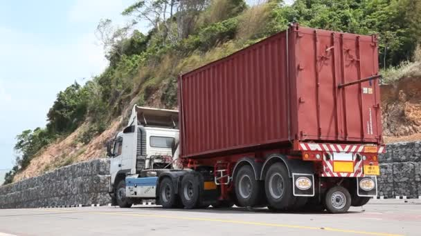crane with heavy container