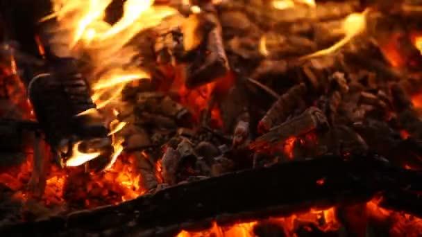 Tűz láng fekete háttér