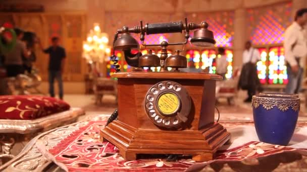 Antik fa vezetékes telefon
