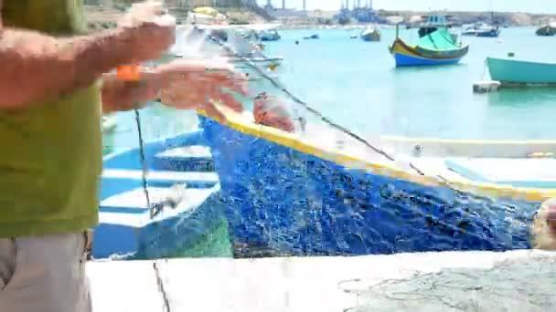 Rybářská loď moře