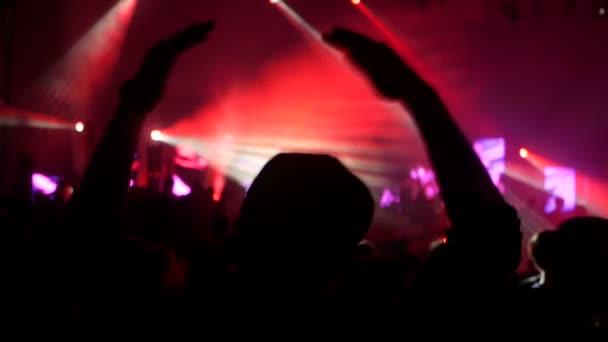 Hudba na párty lidí koncert