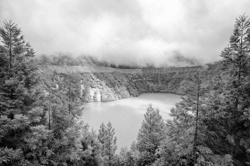 Black and white view of Lagoa do Canario.