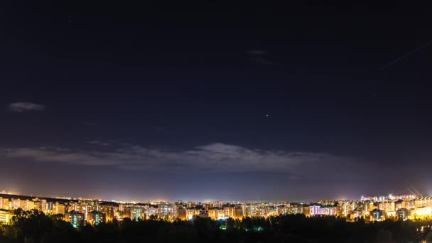 TIMELAPSE: Evening traffic of planes in Moscow