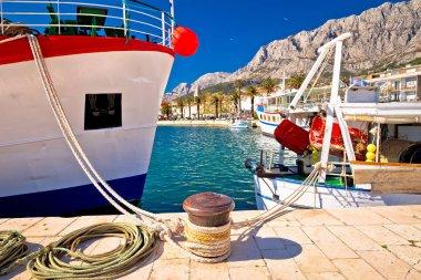 """Картина, постер, плакат, фотообои """"макарска рыбаки гавани красочный вид, далмация области хорватии """", артикул 196845286"""