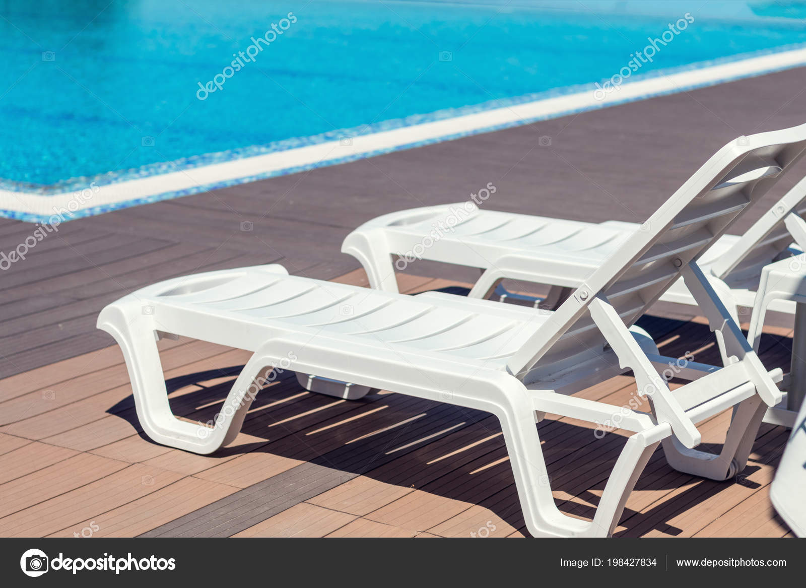Swimming Pool Wooden Deck Hotel Summer Sunny Day Lounge ...