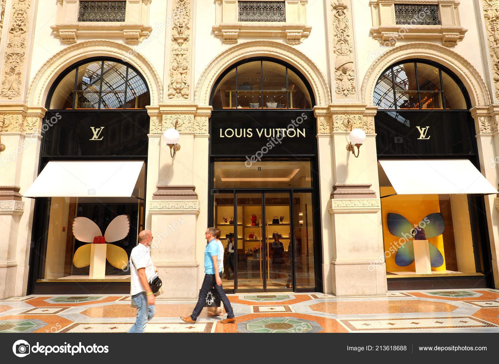 Milan Italy September 2018 Facade Louis Vuitton Store Galleria