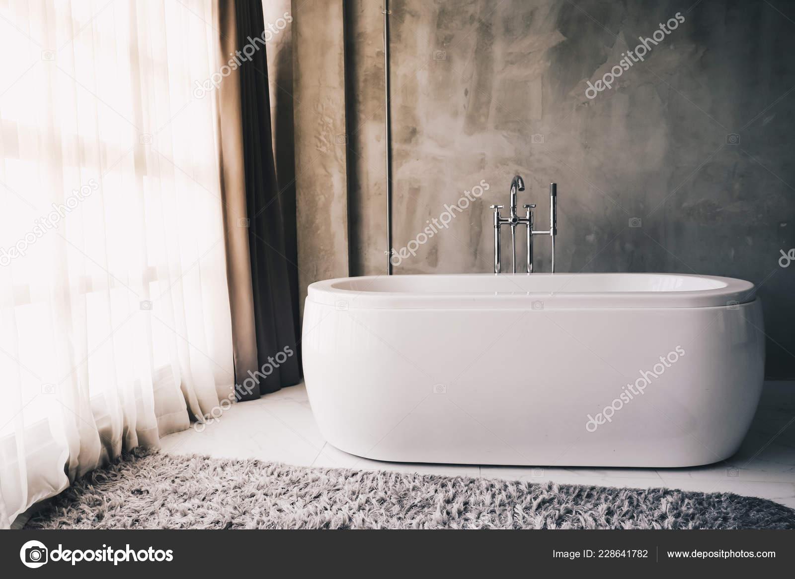 Bagni Di Lusso Moderni vasca bagno lusso moderno all interno bagno con luce solare