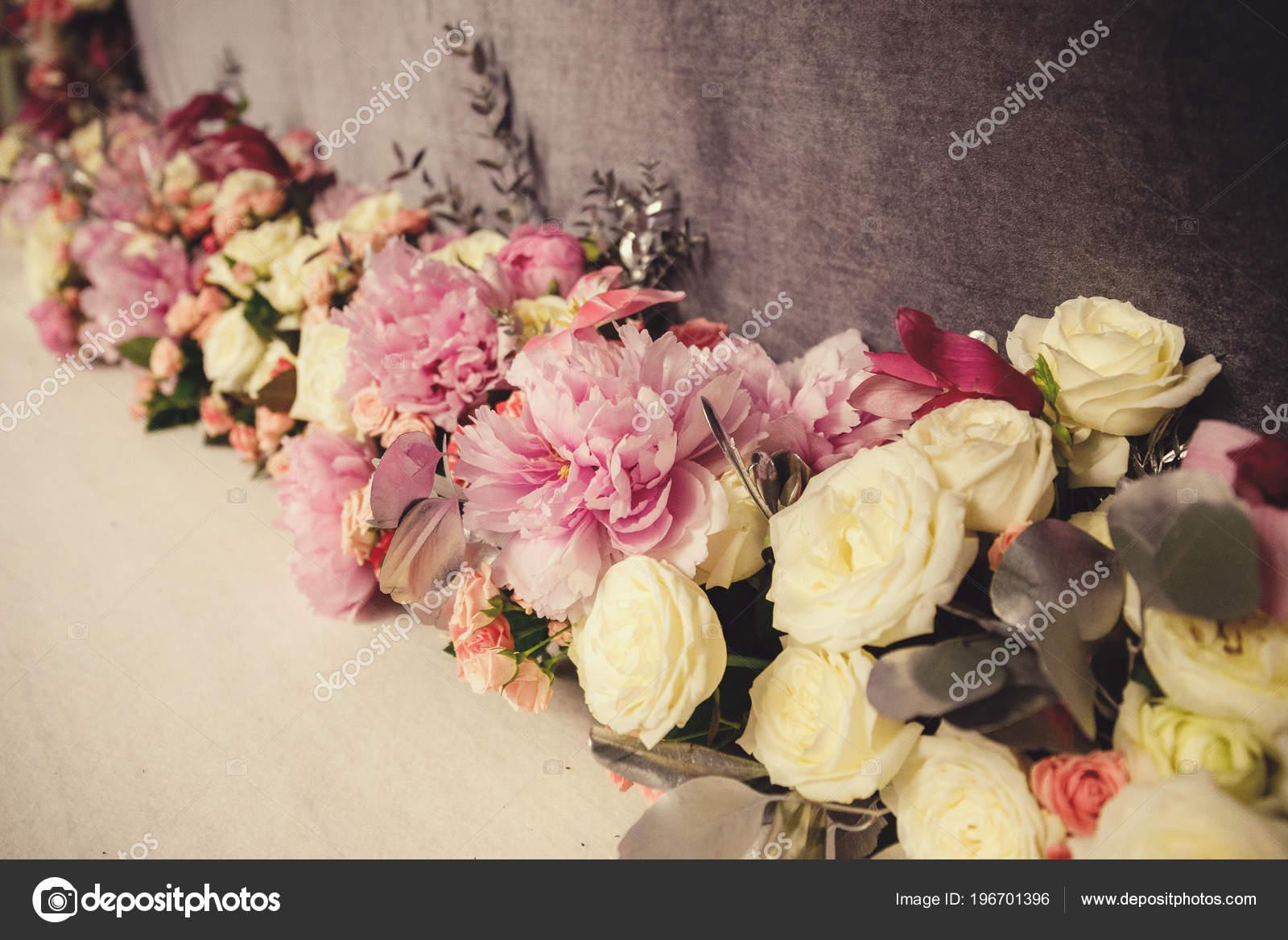 cc992f412570 Στολισμός Γάμου Λουλούδια Για Την Τελετή — Φωτογραφία Αρχείου ...