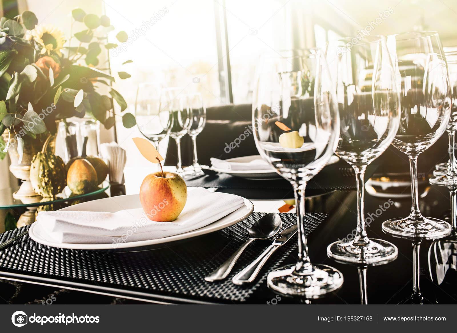 Fancy Table Setting Wine Glasses Elegant Restaurant Stock Photo C Vaksmanv101 198327168