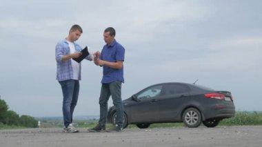 Twee Mannen Maken Een Deal Man Verkoopt Handdruk Verkoper